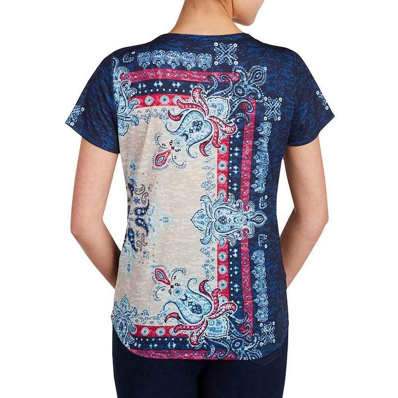 アリソン デイリー レディース トップス【Allison Daley Petites Wide Crew Neck Allover Bandana Print Knit Top】Blue Bandan
