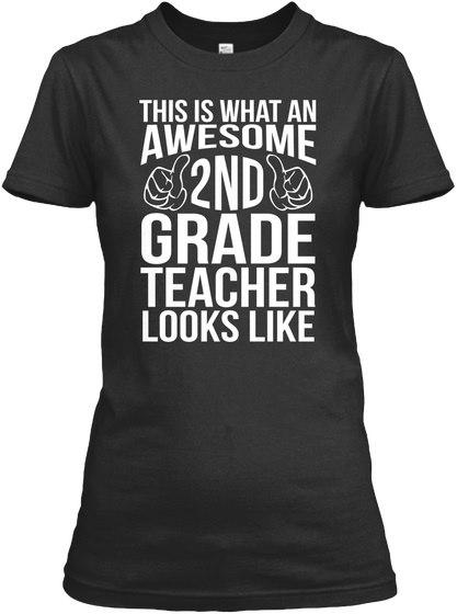 驚くばかりの2年生の教師はギルダンの女性のティーTシャツを見ます