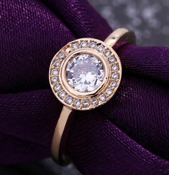 ユニークな18K金メッキウェディングジルコニアクリスタルリングレディース女性婚約花嫁衣装花嫁介添人