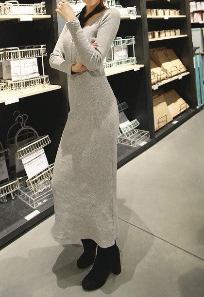 コルゲートロングワンピース-This is corrugated long one-piece having high quality emphasizing soft sexy mood