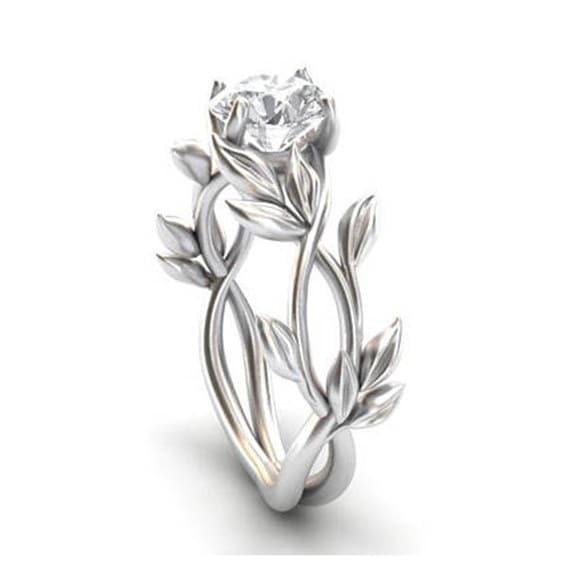 貴族の女性の925スターリングシルバーの花のリングクリアダイヤモンドジュエリーラッキーフラワーブドウ葉の誕生日