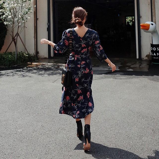 アバンたピット量Vネックフラワーパターンフレア秋ロングワンピースデイリールックkorea women fashion style