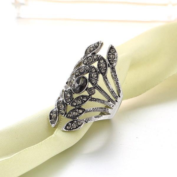 パンクスタイルヴィンテージクリスタルラインストーンの花リング銃ブラックカラー美しいエレガントユニークな人気