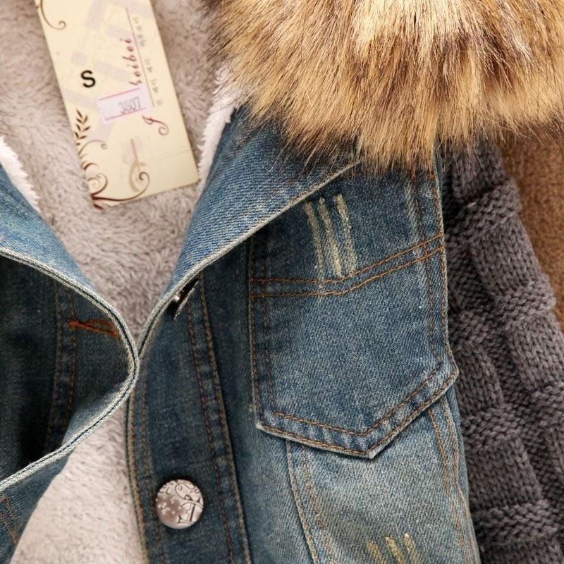 新しい女性の秋のデニムジャケットの女性の冬のコートスリム糸大毛皮の襟ラムコットンデニムアウタージーンズ4XL