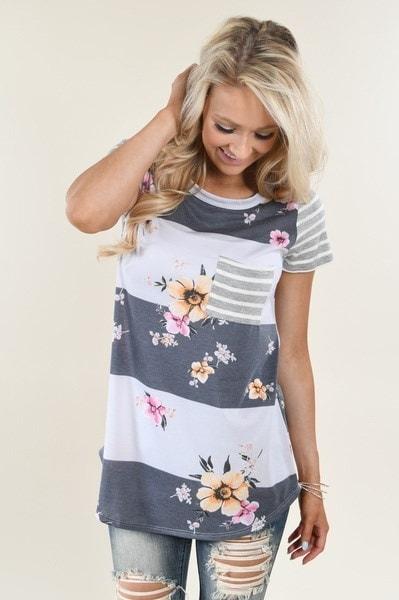 スウィートボヘミアンTシャツ女性ヴィンテージ花柄プリントショートスリーブトップスストライプのTシャツポケット付き