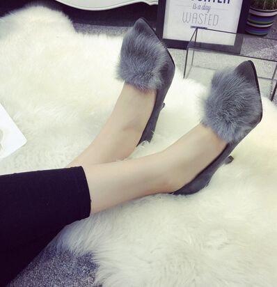 レディース靴  パンプス ピンヒール 履きやすい ファー付 モテ女子必須アイテム 靴 シューズ 美脚 レディール  ヒール8cm  モテアイテム あったか ハイヒール  黒 大人  オシャレ スエード ブラック グ