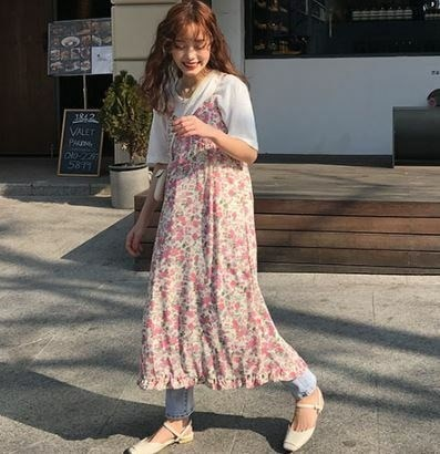 花柄ワンピース ストラップドレス キャミワンピ ワンピースドレス フラワープリント フリル Vネック エレガント フェミニン キュート セクシー デート お食事会 大人可愛い ピンク