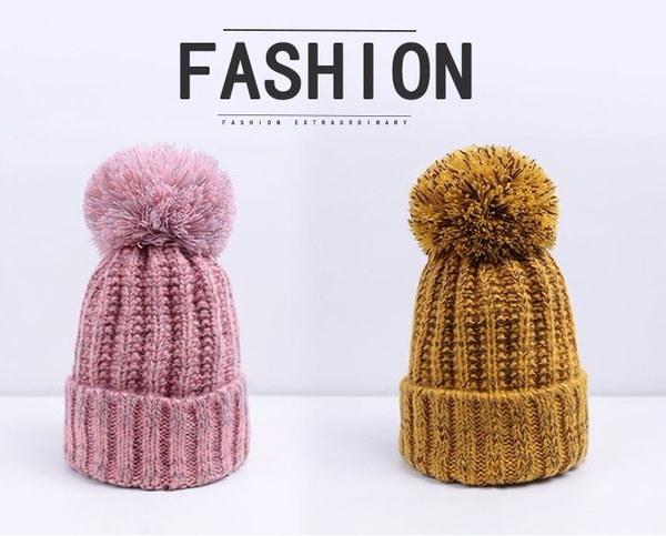女性のためのファッションビーニーハットニットウィンターハット女性のためのスカイビーニー