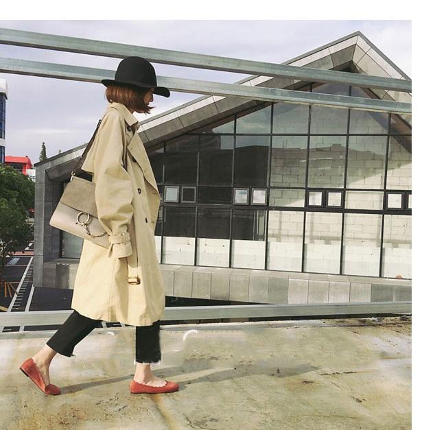 レディース服 女性 ファッション コート アウター トレンチコート ロング丈 秋服 ダブルボタン ゆったり 大きいサイズ 黒 ベージュ バックル パフ袖