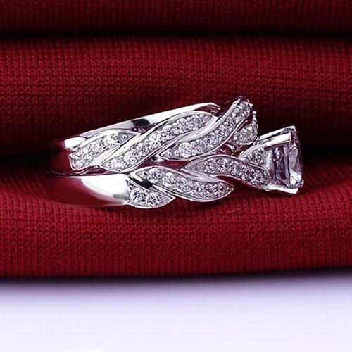 2本の女性の絶妙な925スターリングシルバーメッキリヒチンロマンチックなエンゲージメント結婚指輪セット