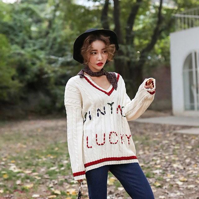 配色Vネックステッチニットティーアイボリーグレーデイリールックデイリーバックkorea women fashion style