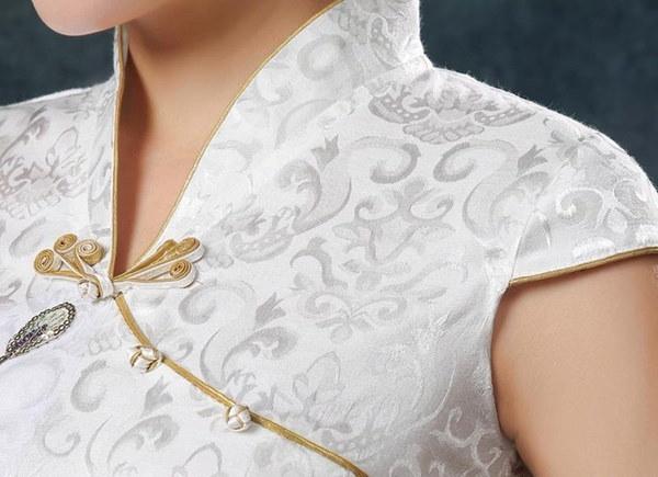 最新の女性ヴィンテージ中国のサテン半袖スリムチョンサムQipaoドレス