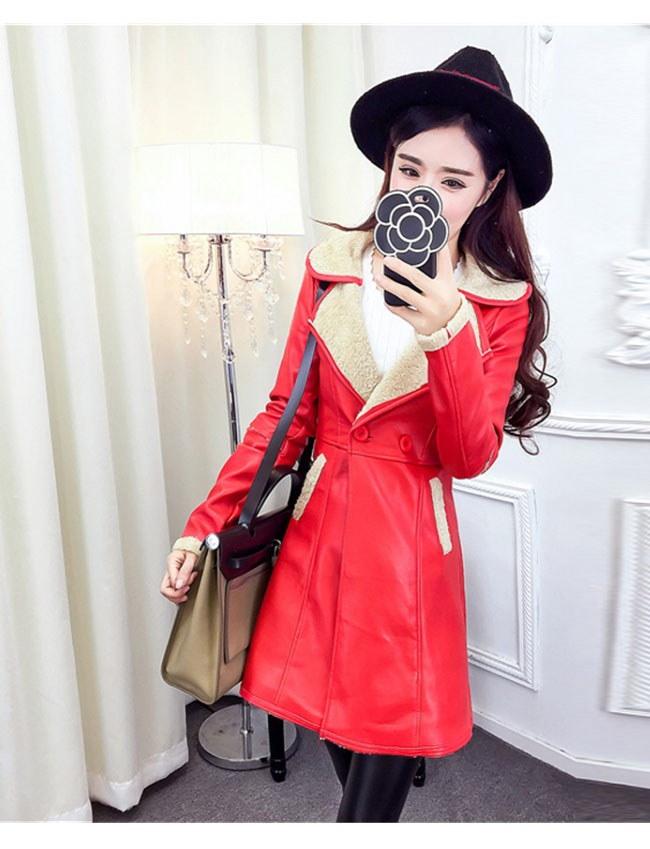 レディースファッション 女性 フェイクレザー 合皮 コート アウター ロング丈 ダブルボタン 配色 ブラック レッド ビジネスカジュアル トレンチコート 上品なデザイン