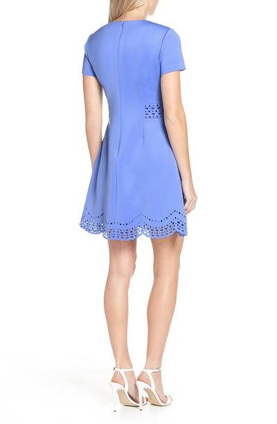 ヴィンスカムート レディース ワンピース トップス Vince Camuto Laser Cut Scuba Crepe Fit & Flare Dress (Regular & Petite)