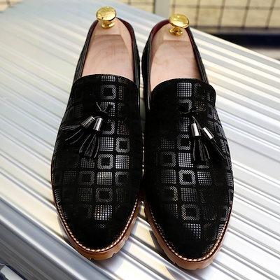 最高品質のメンズタッセルの特許シャイニングレザーイタリアのデザインパーティー結婚式の靴黒