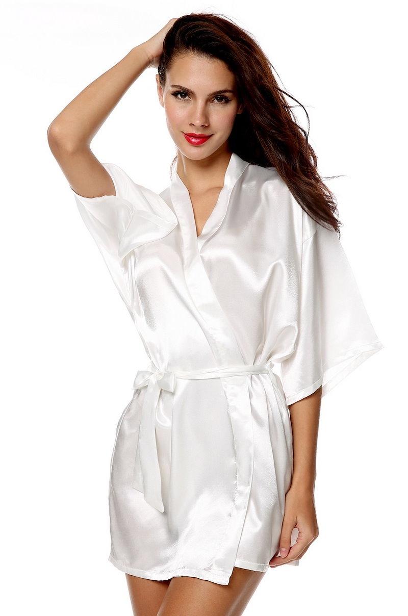 女性のショートスリーブの短いサテンVネックの結婚式のバスルームの寝間着スリープドレス