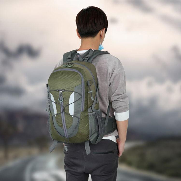 かばん リュック バッグ デイパック 登山 リュックサック バックパック 防災 遠足 旅行 大容量 多機能 アウトドア 軽量 父の日 ギフト