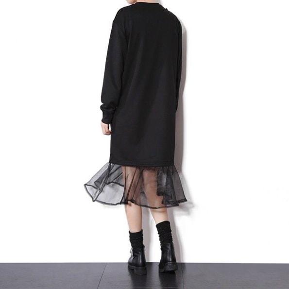 ブラック チェーンキルティングポシェット フリル付き 膝丈ワンピース ドレス