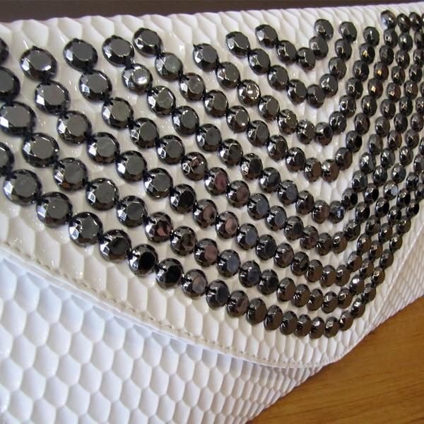 レディースクラッチバッグ カジュアル封筒バッグ おしゃれな封筒クラッチバッグ 百搭斜宴会クラッチバッグ フルダイヤモンドクラッチバッグ