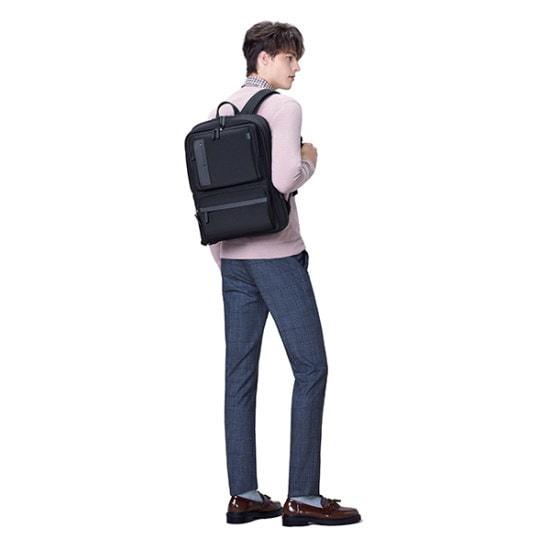 サムソナイト・レッドBUSETTE BACKPACKBLACKAU309001BS バックパック / 韓国ファッション / Korean fashion
