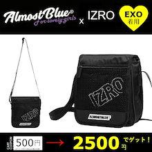 【EXO(エクソ)のセフン着用】【ALMOSTBLUE X IZRO】 MINI BAG サコッシュバッグ 斜め掛け ミニショルダー 小さめ ポーチ