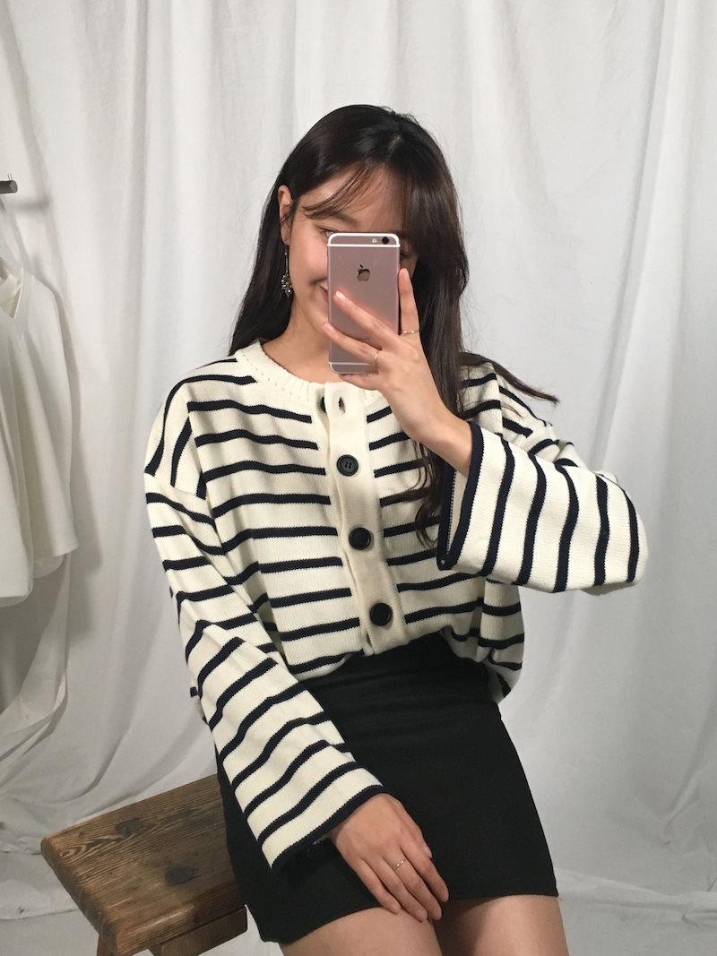 クリーミーボタンストライプニットカーディガンkorea fashion style