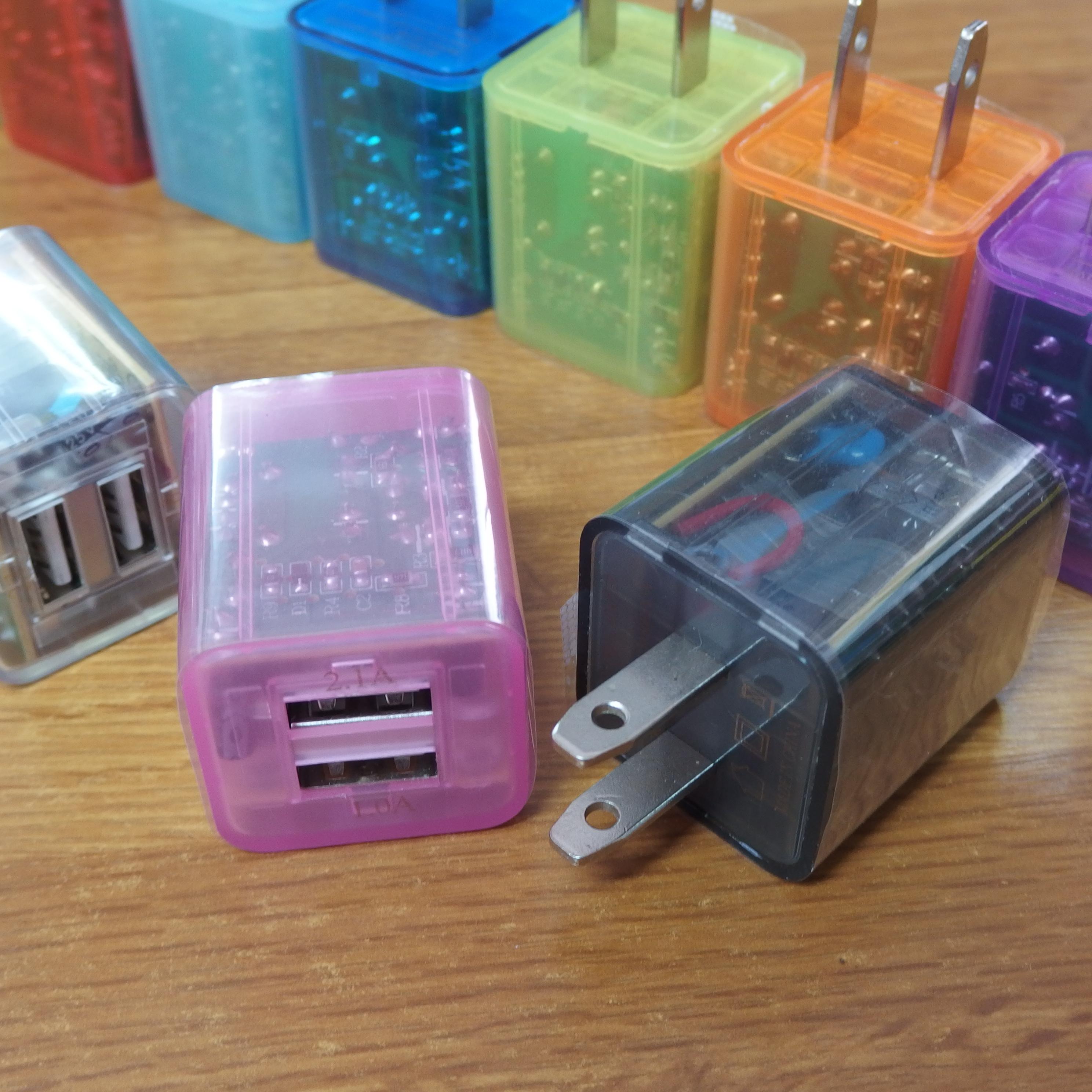 iPhone12にはアダプタが付属していないから用意が必須!2口USB→コンセント変換カラフルAC電源アダプタ Lightning AC変換コネクタ コンセント充電器
