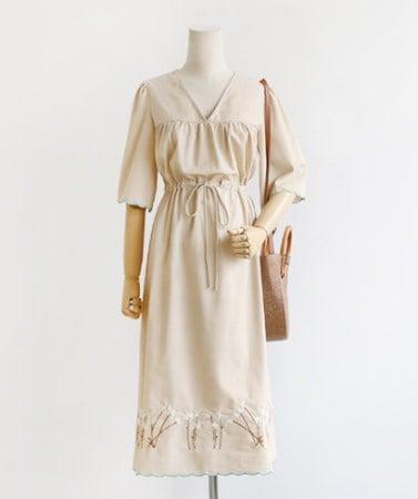 上品なロマンチックなフラワー刺繍ストラップロングワンピース30410デイリールックkorea women fashion style
