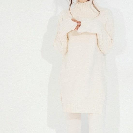 メグジェイMAGJAYハイネックのルーズフィットニートJ92PNT268 / ニット/セーター/タートルネック/ポーラーニット/韓国ファッション