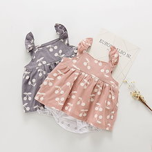 夏の赤ん坊のジャンプスーツ、新生児の服、甘いチェリーの印刷物の女の子のジャンプスーツ、ベビー服
