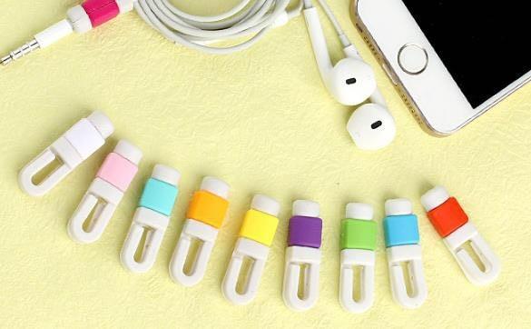 【送料無料】 イヤホンの断線防止に! イヤフォン ロック 保護 カバー 断線 防止 充電 iPhone iPad Mac セーバー 0 純正 コード 固定 スマホ アップル キャップ ケーブル