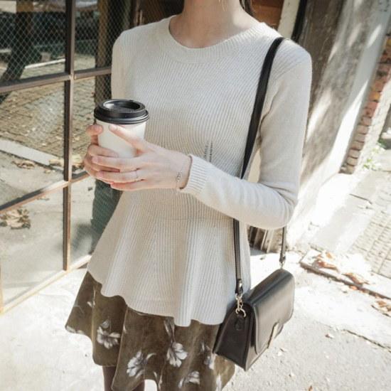 ジャストウォンフェミニンフレアニット ニット/セーター/ニット/韓国ファッション