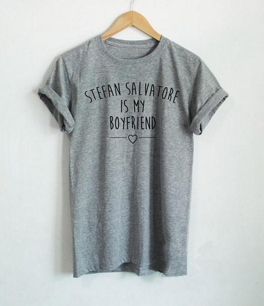 ヴァンパイア日記Tシャツステファン・サルヴァトーレ・シャツPaul Wesley Shirtステファン・サルヴァトーレは私のボーイフレンドL