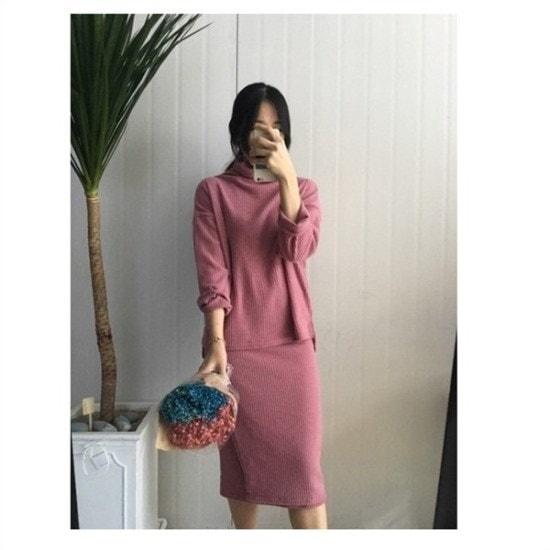 はいトト行き来するようにはいトトワンゴルジのポーラー・ツーピース プリントのワンピース/ 韓国ファッション
