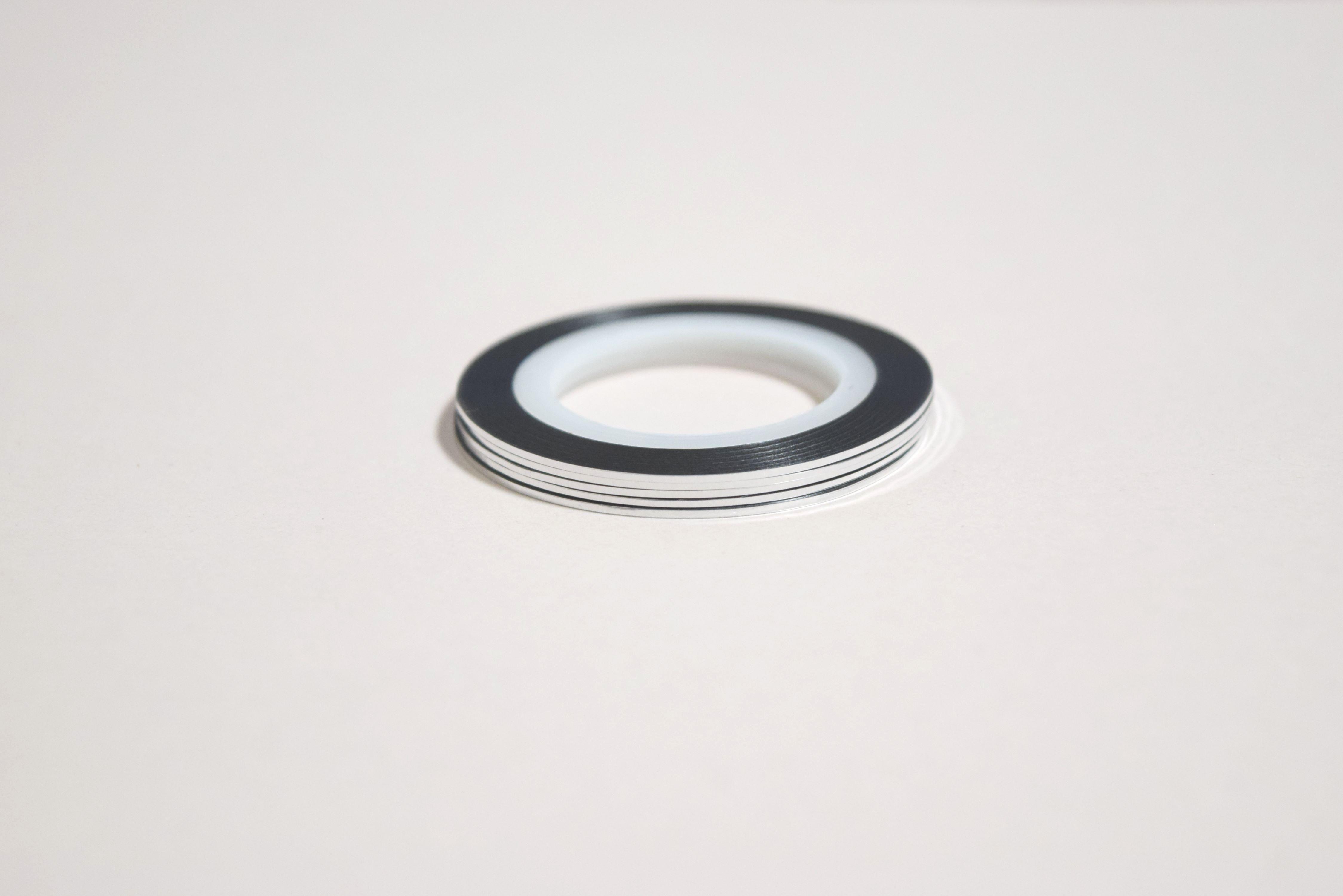 ラインテープ ネイル シルバー 1mm 20m 1本 ネイル ジェルネイル プチプラ 訳あり アウトレット