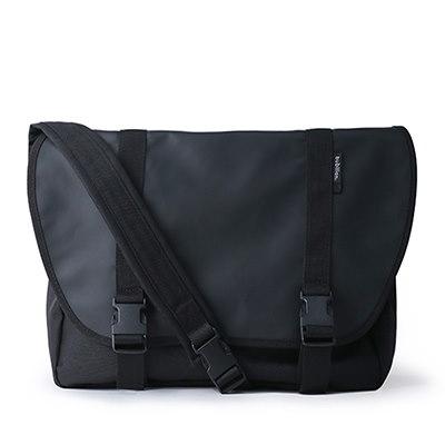 【BUBILIAN] Simple Messeger Bag メッセンジャーバッグ / 韓国の街ブランド/韓国と日本のベストセラーリュックサック/ベーシックリュックサック/旅行鞄 / Black