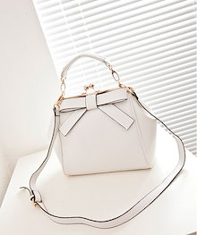 【特価!】IT0224B-11 《4カラー》リボンデザイン2WAYバッグ  ガバッとがま口が可愛い。キュートで使いやすいデザイン。売れ筋人気のお洒落バッグ!