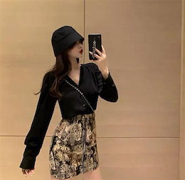 今から買い足すならこの1枚 韓国ファッション 2020年春 秋 新スタイル デザインセンス Vネック 気質 スリム レトロ スカート 百掛け カジュアル ミニスカート 2点セット シャツ