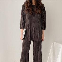 【ANDSTYLE】韓国ファッション/セットアップ/プリーツブラウス プリーツパンツ 上下セット/高級感演出 プリーツをあしらった素材 大人のこなれ感を演出する お得なセットアップ_244737