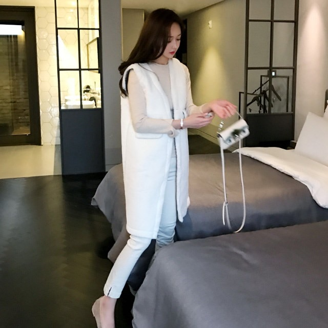 サラッとサラッと広がりベストkorean fashion style