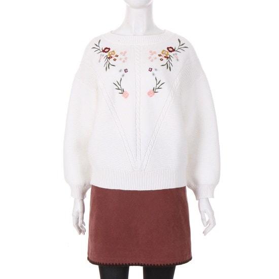[コインコーズ]ラブリーフラワー刺繍ラウンドニットIK7WP6900 / ニット/セーター/ニット/韓国ファッション
