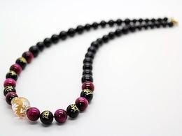 a5eaac9a0f 石輝 4Aピンクタイガーアイ梵字オニキス金彫龍水晶18mm数珠ネックレス 天然石