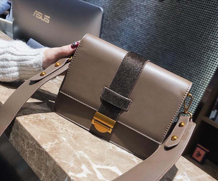 [55555SHOP]ファッション 羊毛の スモールバッグ 女 新しいデザイン シンプル 何でも似合う 小方包