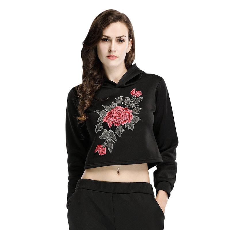 トレンディなフード付きロングスリーブ刺繍の女性のパーカー