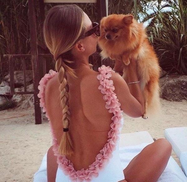 女性の夏のセクシーなビーチフラワージャンプスーツ花弁ブレース水着背中のない服