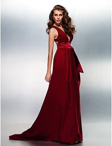 Prom / Formal Evening Dress - Burgundy Plus Sizes / Petite A-line V-neck Sweep/Brush Train Stretch Satin