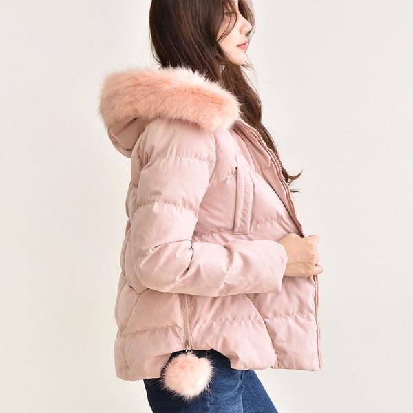[送料無料]★2COLOR★フェイクフォックスポンポンファーフードウェルロンショートパディング(outer907)/韓国ファッション/冬のコントラスト/かわいいスタイル/暖かく着用可能!