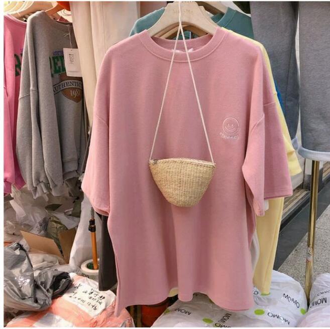 刺繍半袖Tシャツ女子夏服の新バージョン韓国のゆるゆるサイズの学生Tシャツtz504