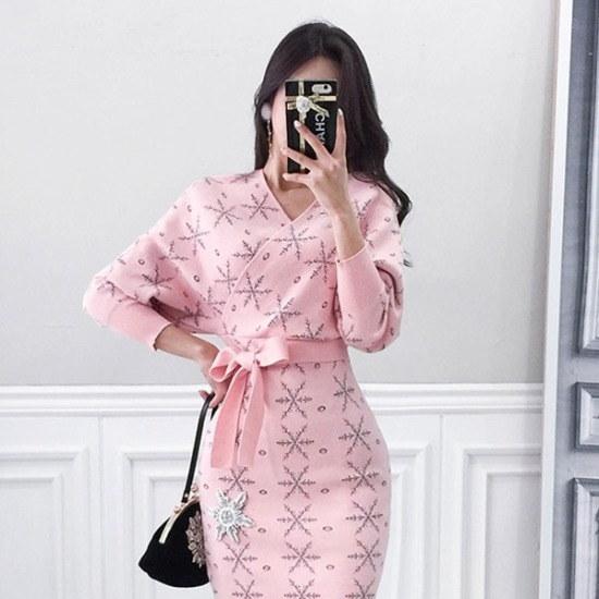 パビエンポムキン行き来するようにパビエンポムキンスノウボールニット・ワンピース ニット・ワンピース/ 韓国ファッション