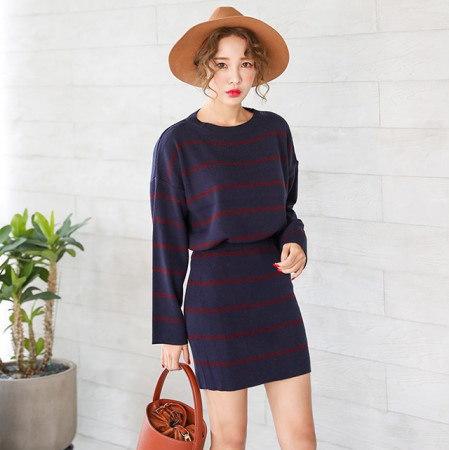 ベーシックラウンドダンガラ秋のニットティーデイリールックデイリーバックkorea women fashion style
